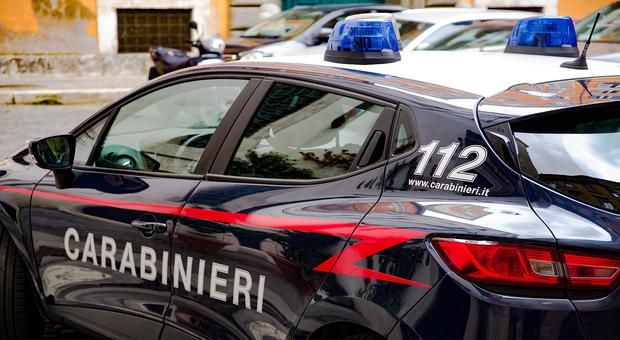 Si propone per fare sesso con i carabinieri per evitare la multa: romena arrestata