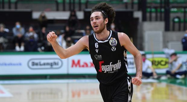 Alessandro Pajola, play maker di Ancona, campione di Italia di pallacanestro con la Virtus Bologna