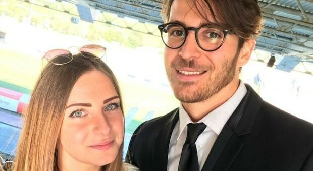 Stefano e Claudia, coppia di anconetani a Temptation Island. Lui le aveva chiesto di sposarlo al Del Conero