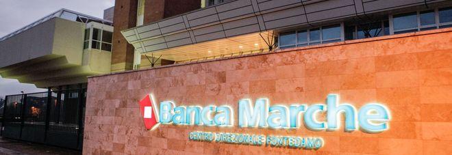 Crac Banca Marche, maxi sequestro da 15 milioni per 6 ex amministratori