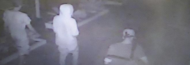 Baby strupratori di Rimini espulsa la madre: dovrà tornare in Marocco