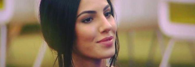 Giulia De Lellis, minacce choc dei fan a Lisa Fusco: «Ti sfregiamo con l'acido»