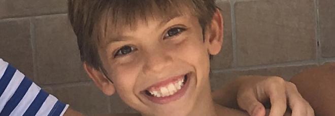 Arturo, 9 anni, travolto e ucciso da un'auto Era in vacanza con la mamma e le sorelline