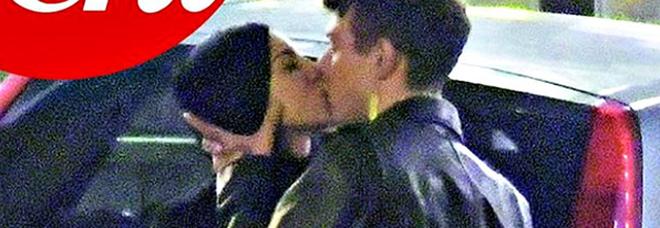 """Giulia De Lellis e Irama fidanzati ufficialmente: notte di passione coi baci """"rubati"""""""