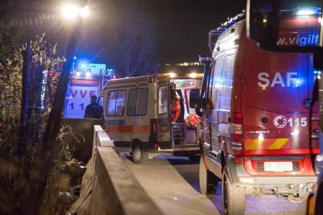 Roma, cede grata: Tiziana Laudani precipita e muore