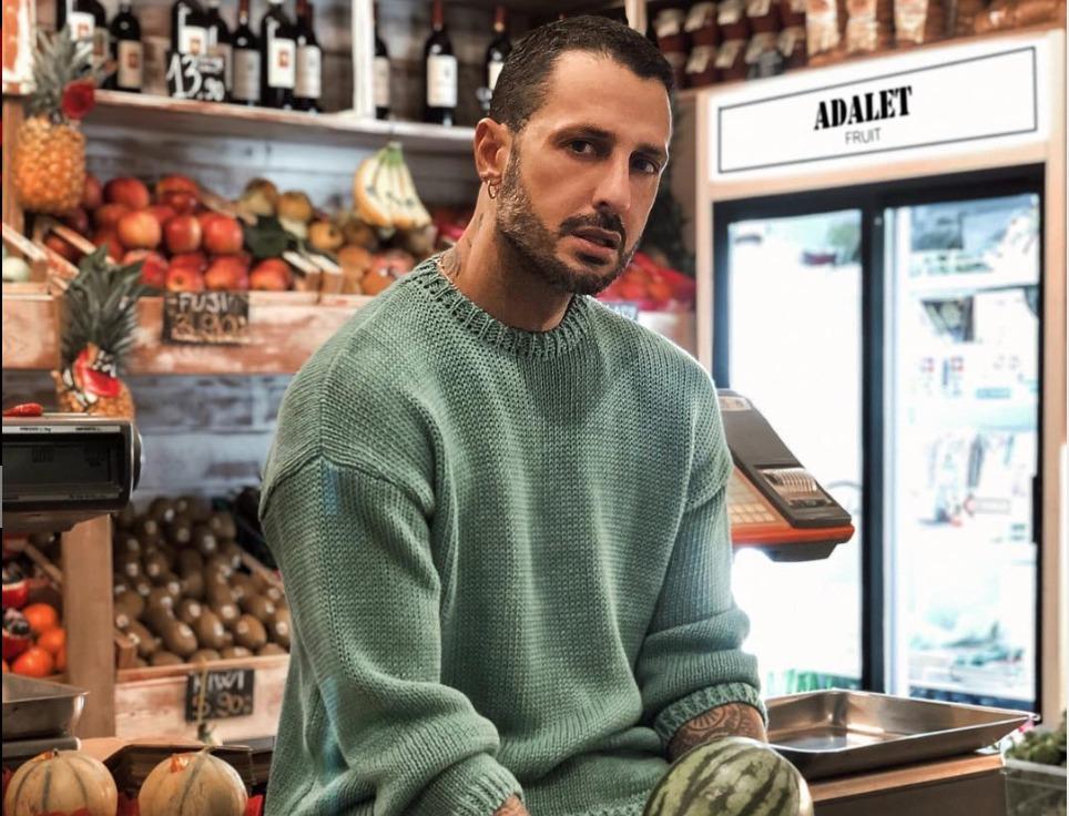 Fabrizio Corona, compleanno in carcere: gli auguri toccanti di Parpiglia